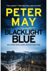 Blacklight Blue : A race against time to crack a deadly cold case (Enzo 3)